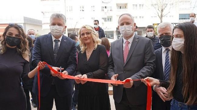 Başkan Gerenli, Burcu Sabancılar'ın iş yeri açılışında