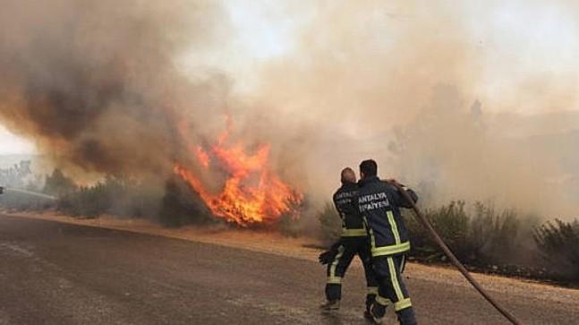 Manavgat Yangın Söndürme Çalışmaları Sürüyor
