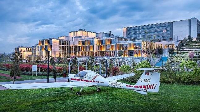 Özyeğin Üniversitesi Havacılık ve Uzay Bilimleri Fakültesi Havacılık Yönetimi ve Pilotaj Programları, Avrupa'da ve Türkiye'de akredite edilen ilk programlar oldu