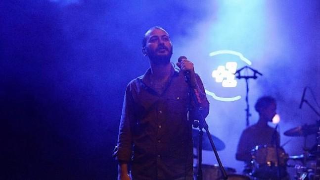 Nilüfer +1 Güz Konserleri'nde Yüzyüzeyken Konuşuruz rüzgarı